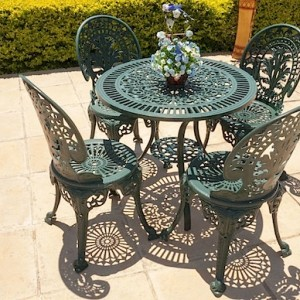 4 Seater Crown, 75cm Royal Table