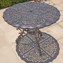 Fern Table (90cm Diameter)