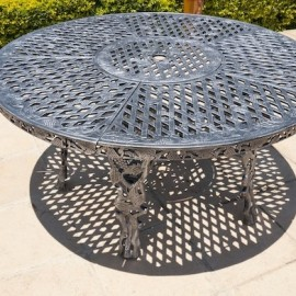 King Grape Table (155cm Diameter)