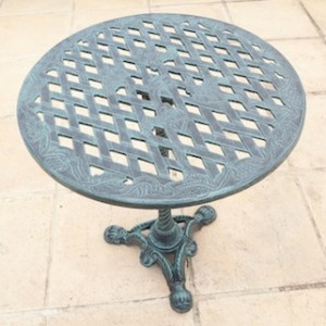 King Grape Table (58cm Diameter) G